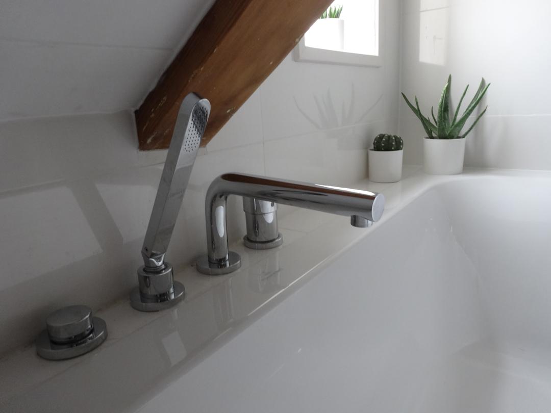 Kleine Kamer Schuin Dak : Badkamer kleine ruimte schuin dak ...