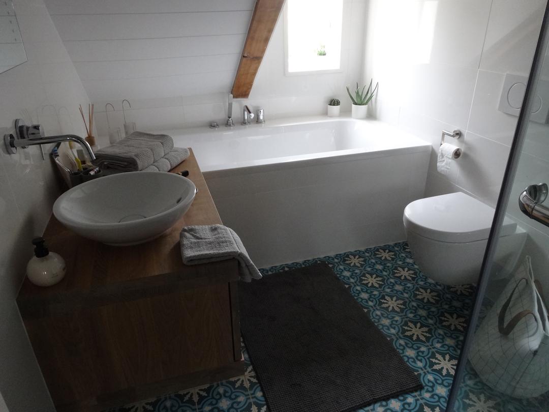 Badkamer Zelf Tegelen : Zelf een wand tegelen in stappen u zeeuwsenzo